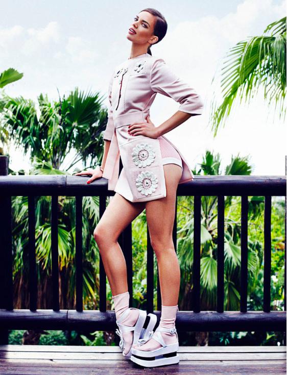 Elle Spain March 13 (2)