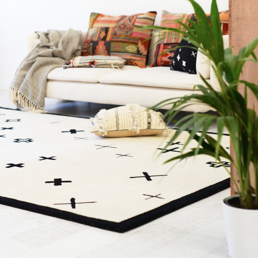 cross pattern monochrome handwoven carpet rug